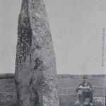 3fjn0-Menhir_de_la_Vacherie_site (370x612)